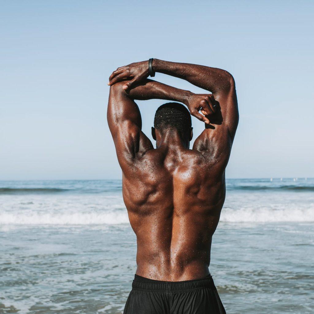【肩甲骨に効く】筋膜リリースの方法【安全なやり方をご紹介】